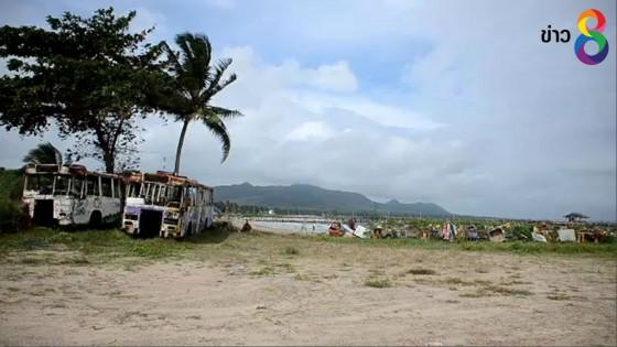 ชาวชุมพรผวา หาดผีสิง มีซากรถบัส-ศาลพระภูมิเก่า รกร้างมา 5 ปี