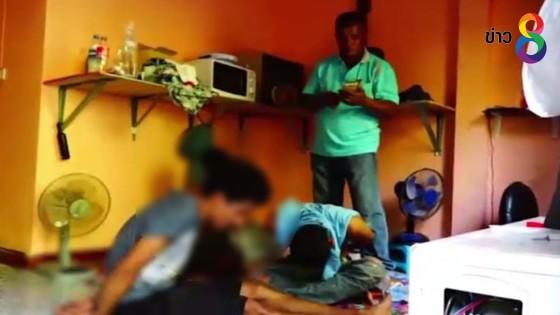 บุกจับวัยรุ่นเสพยาบ้าคาบ้านเช่าในจังหวัดพัทลุง