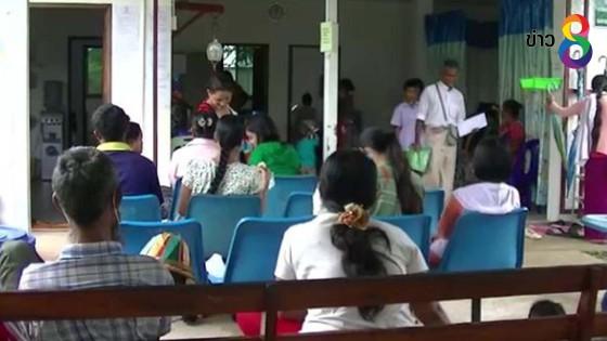 ชาวเมียนมาแห่ฉีดวัคซีนป้องกันไข้หวัดใหญ่ เอช 1 เอ็น 1 ในฝั่งไทย