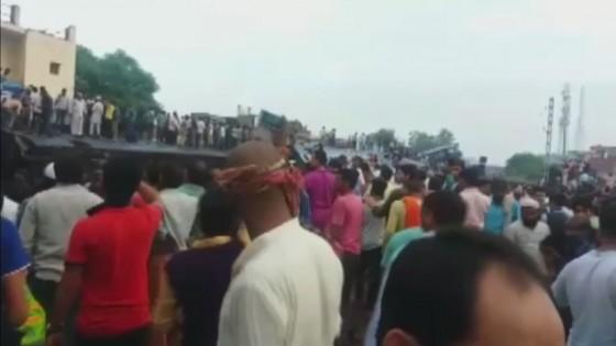 รถไฟอินเดียตกราง มีผู้เสียชีวิต 23 คน - บาดเจ็บ 64 คน