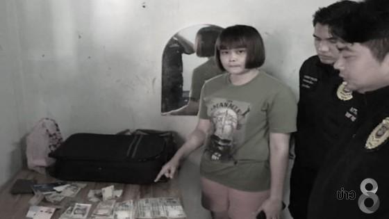 ตำรวจพัทยาบุกจับสาวแสบ ลักเงินนักท่องเที่ยวอินเดีย