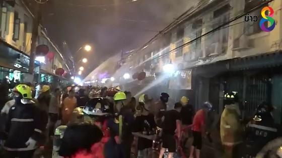 เพลิงไหม้บ้านเรือน13หลังย่านแพร่งนรา เขตพระนคร