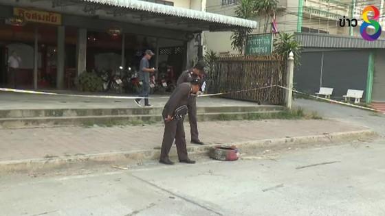 ชาวบ้านผวากวาดหน้าบ้านเจอระเบิดแจ้งเจ้าหน้าที่เก็บกู้