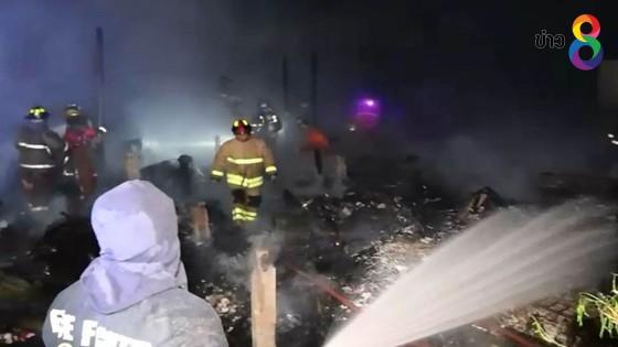 ไฟไหม้ชุมชนหลังวัดคูหาสวรรค์วรวิหาร ซอยเพชรเกษม 28 เสียหาย 20...