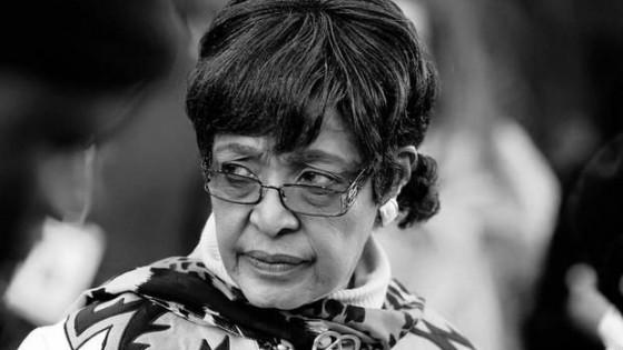 """ภริยา """"เนลสัน แมนเดลา"""" นักเคลื่อนไหวต่อต้านการเหยียดผิว..."""