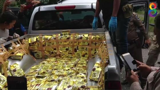 บุกจับพระวัดป่าสกลนคร ลอบดัดแปลงรถกระบะซุกยาไอซ์กว่า 200 กก.
