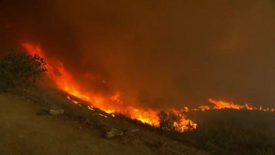 ไฟป่าแคลิฟอร์เนียคุมไม่อยู่ ตาย 31 สูญหายกว่า 200 คน