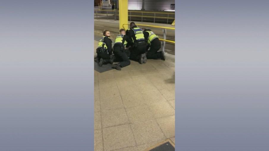 ตำรวจอังกฤษชี้ เหตุคนร้ายแทงเหยื่อคืนวันสิ้นปี เจ็บ 3 คน เป็นการก่อการร้าย