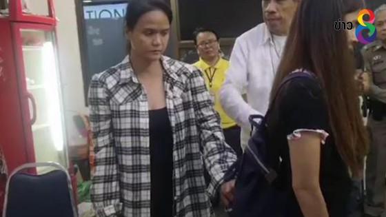 จับโจรสาว หลังผู้เสียหายร้องถูกล้วงกระเป๋าในตลาดนัดจตุจักร