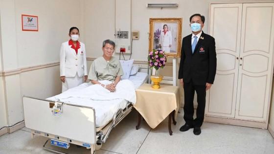กรมสมเด็จพระเทพฯ พระราชทานแจกันดอกไม้ เยี่ยมผู้ว่าฯ...