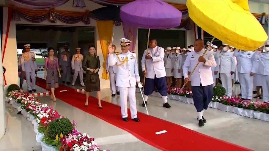 ในหลวง-พระราชินี ทรงเปิดอาคารที่ทำการศาลเยาวชนและครอบครัว จ.สุพรรณบุรี