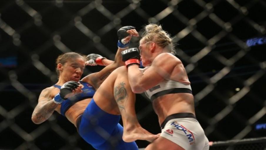เดแรนดามี่ซิวแชมป์เฟเธอร์เวทหญิงคนแรก UFC